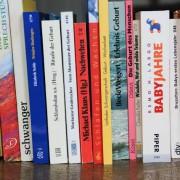 Hebammenbücher
