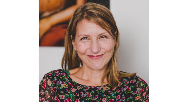 Jana Friedrich: Hebamme, Autorin und Bloggerin