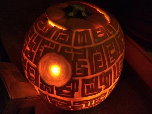 Todesstern-Kürbis an Halloween