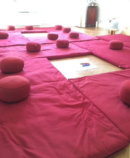 Ausstattung Geburtsvorbereitungskurs: Yogamatten