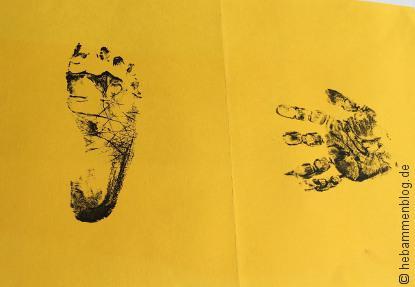 Geburtsanzeige mit Baby Hand- und Fußabdruck