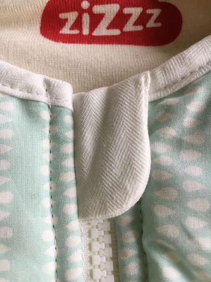 Der Kinn-Schutz im Babyschlafsack von ziZzz