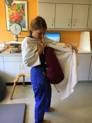 Simulationstraining: Schwangerer Bauch