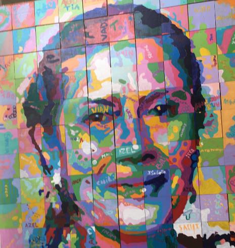 Robin Lim Popart in der Bumi Sehat Foundation