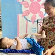 Kindersprechstunde im Geburtshaus in Indonesien