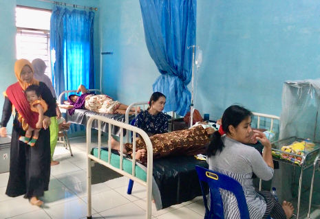 Kreissaal nach der Geburt in indonesischem Geburtshaus