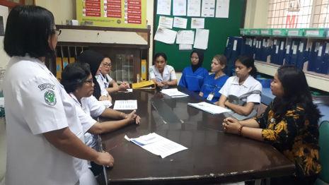 Geburtshilfliche Morgenbesprechung im Krankenhaus von Medan